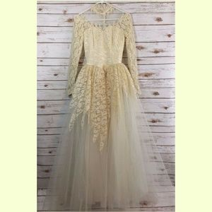 Vintage Wedding Dress Gown Lace Tulle Size 6 Ivory